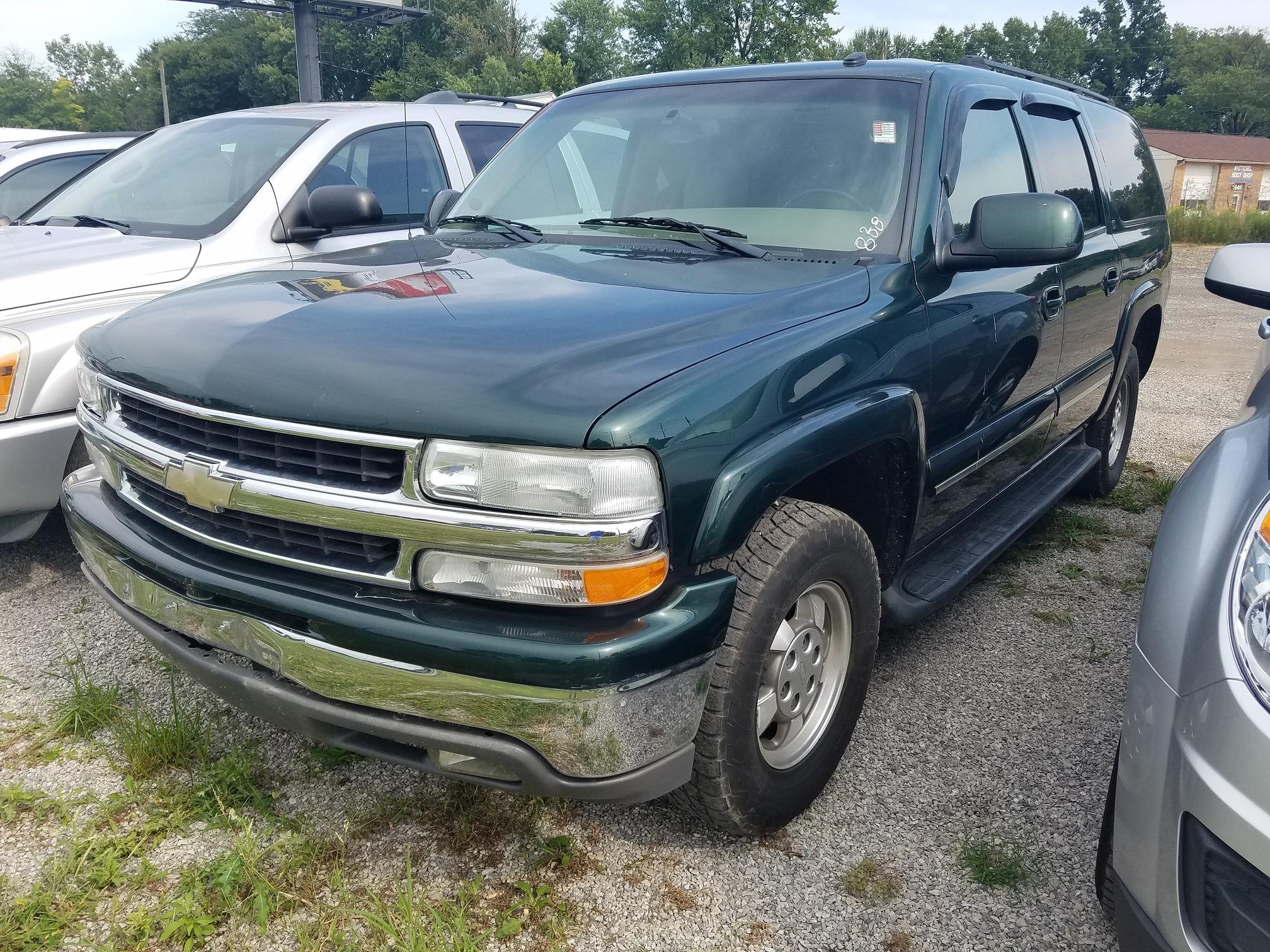 2003 Chevrolet Suburban 4×4 LT full